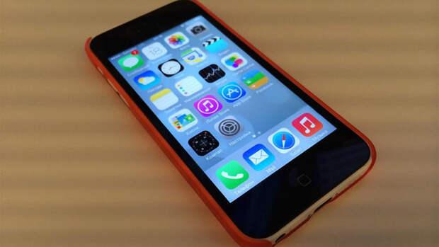 """Старые iPhone могут превратиться в """"кирпичи"""" 3 ноября"""