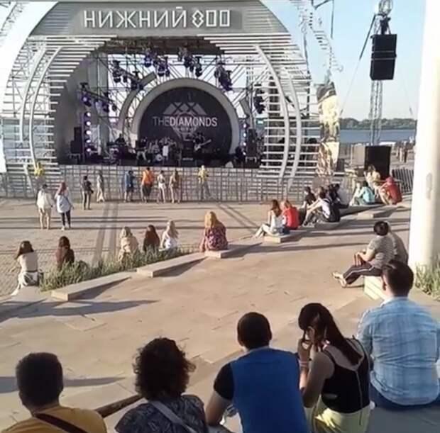 Видео дня: на фестивале «Столица закатов» в Нижнем Новгороде было немноголюдно