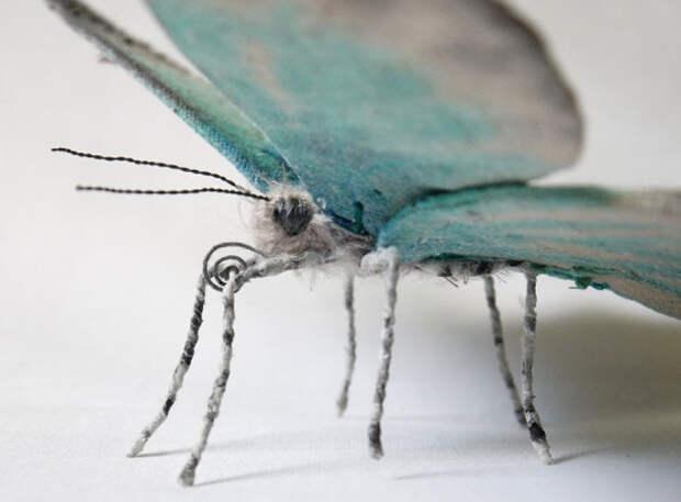 Словно живые мотыльки и бабочки в работе Yumi Okita.