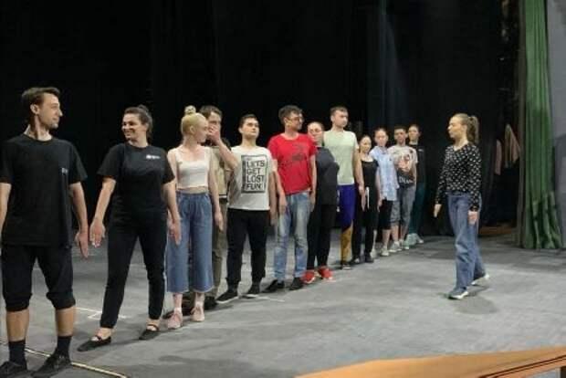 В Молодёжном театре покажут премьеру по сатирической пьесе Маяковского
