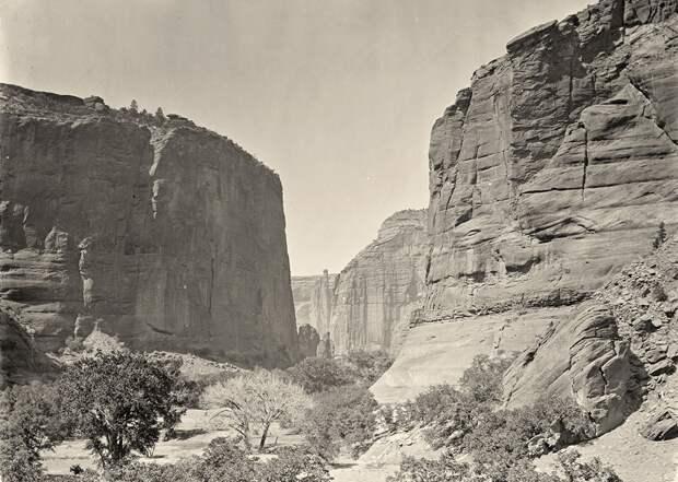 Начало Каньона де Шелли в Аризоне. Снято в 1873 году.