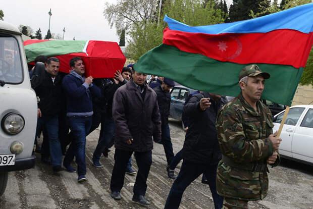 Кому нужно раздувать огонь: почему Ереван и Баку взялись за оружие