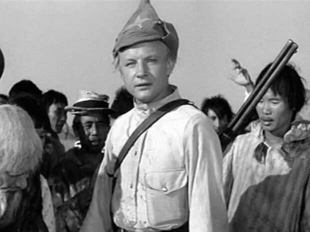 кадр из фильма «Начальник Чукотки»