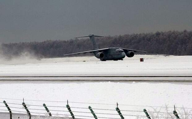 В Японии продолжаются испытания самолета Kawasaki C-2