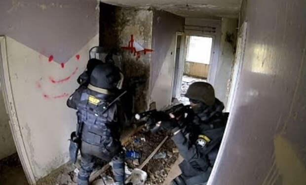 Пейнтболисты вышли на полигон против спецназа МВД: подготовка против опыта