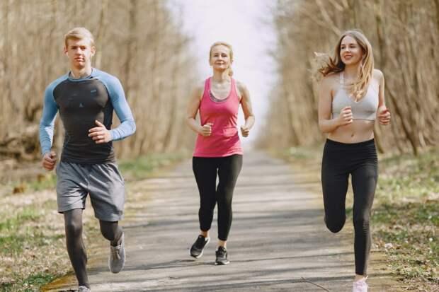 Вот почему утренняя пробежка особенно полезна
