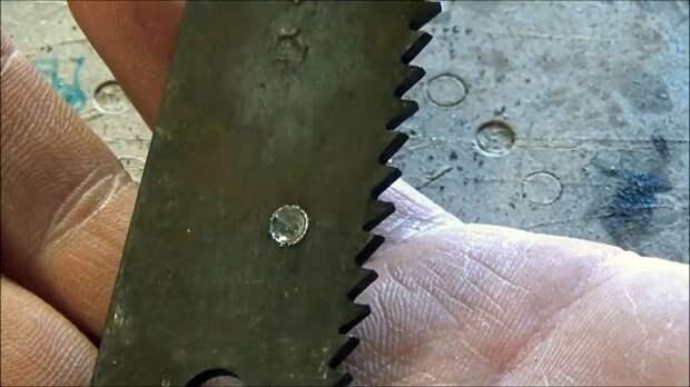 Как просверлить любую быстрорежущую сталь сверлом по кафелю