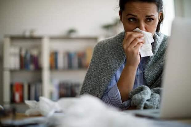 Почему можно подхватить простуду, даже если вы носите маску