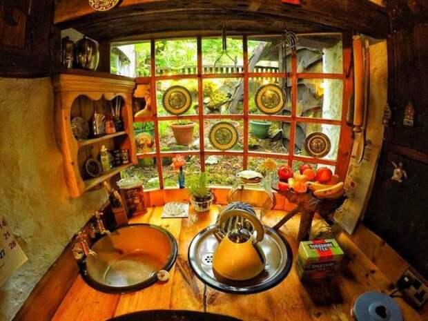 Очаровательный сказочный домик, который внутри также красив, как и снаружи