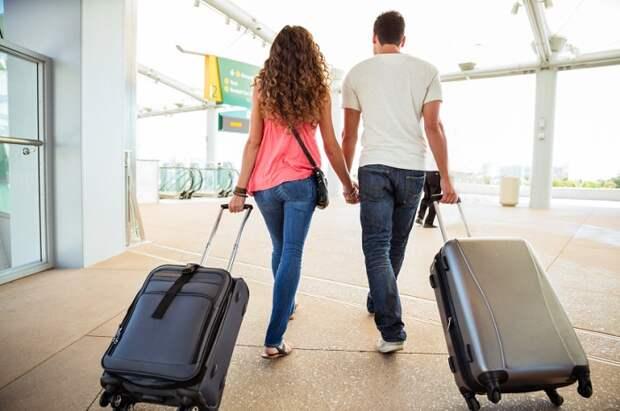 С вещами на выход! Российских туристов ночью выселили из отеля в Турции