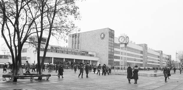 Завод «Янтарь», 1983 г.