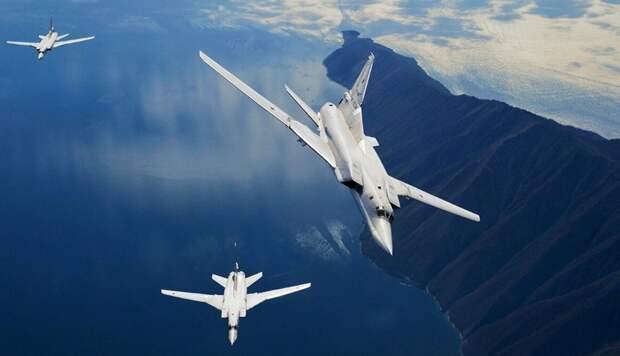 СМИ: русские «имитируют атаки» рядом с авианосцем Британии