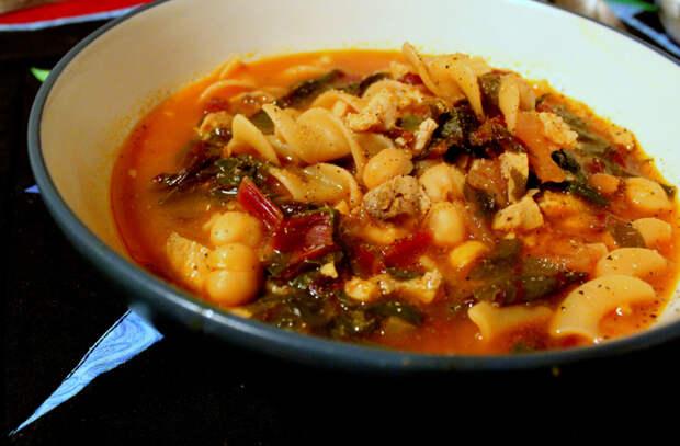 7 сытных мясных супов: заменяем надоевшие щи