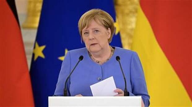 Меркель на Украине: Европа через 25 лет не будет зависеть от поставок газа