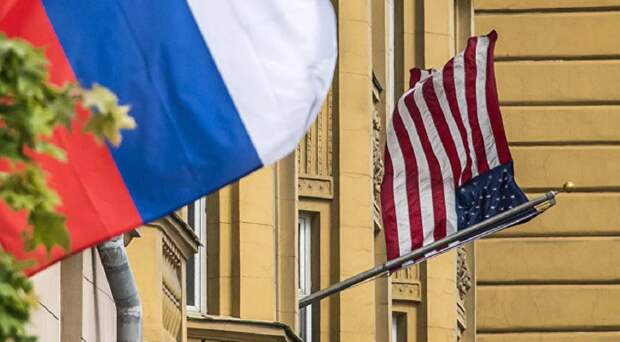 Сенатор предупредил об обязательном ответе России в случае высылки дипломатов из США