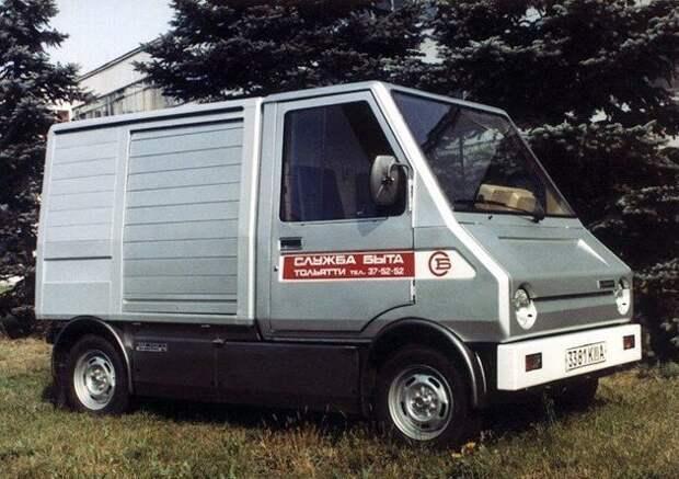 """ВАЗ-2702 """"Пони"""". Первый электромобиль ВАЗ-2702 поехал в 1984 году. Он был сделан из алюминия, что сильно облегчило кузов. Но одновременно, это стало и основной проблемой машины: она была недостаточно прочной и надежной. СССР, авто, фото"""
