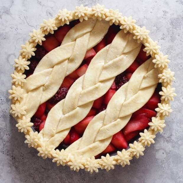 Как красиво оформить пирог 10