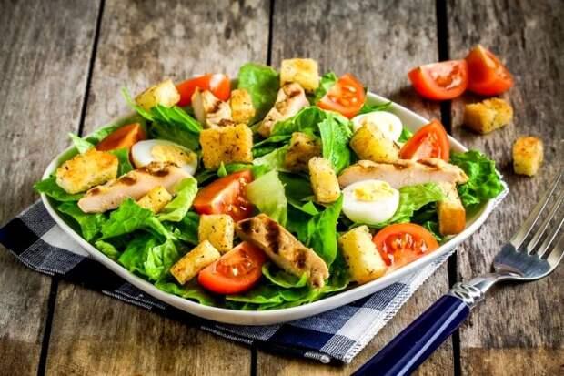 Не все так просто со знаменитым на весь мир салатом. /Фото: wishqatar.org