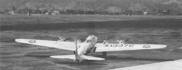 Тяжелый бомбардировщик Боинг Модель 299, ставший легендарной летающей крепостью B-17