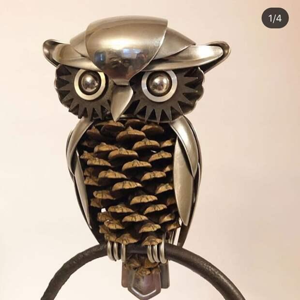 Красота. Браво фантазии!!!  Металлический настенный декор, собранный вручную из столовых приборов .