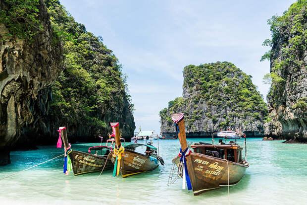 Главврача калужской больницы могут уволить после отпуска в Таиланде