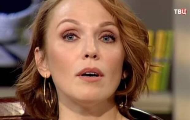 """Альбина Джанабаева впервые прокомментировала третью беременность: """"Это безусловная радость"""""""