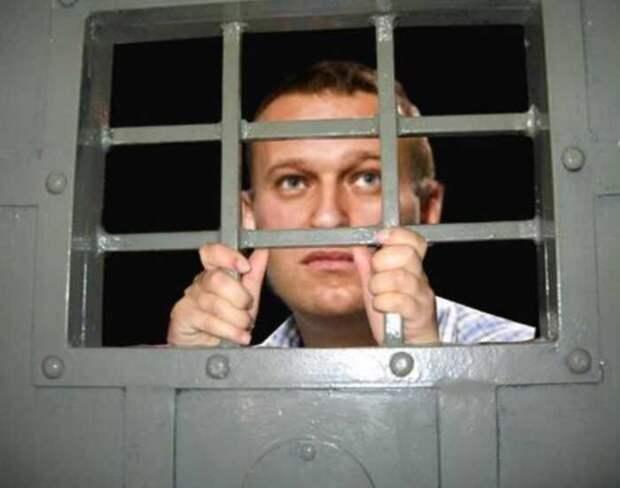 Сокамерник Навального рассказал, что на самом деле, онем думает