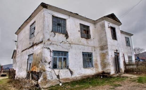 Стало известно, когда севастопольцев расселят из аварийного жилья