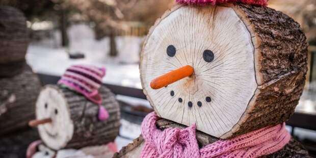 Новогодние украшения на дачу: деревянный снеговик