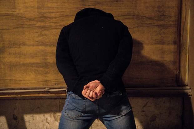 В Крыму мужчина ограбил банк, чтобы расплатиться с долгами