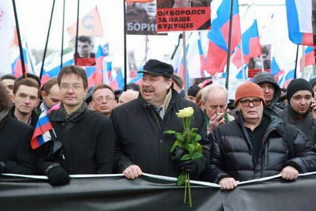 Счастливые лица траурного марша: вот она, оппозиция