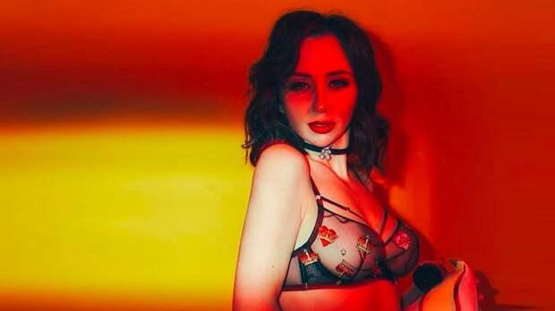 «Аппетитные формы. Просто секс-символ». 3 откровенные фотографии Туктамышевой, не попавшие в журнал Maxim