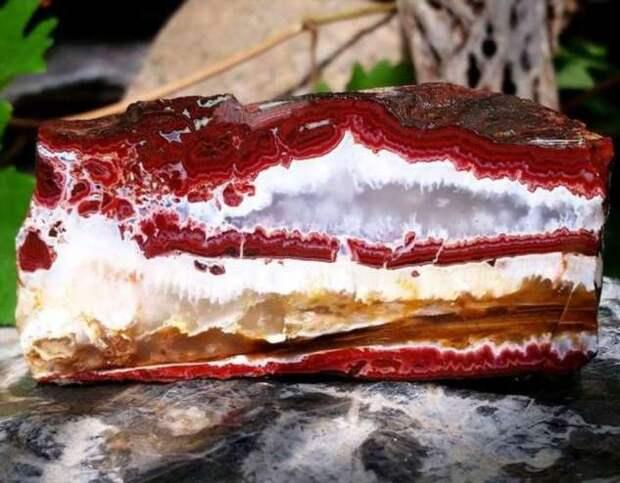 20+ завораживающих камней и минералов, которые доказывают, что природа — лучший художник