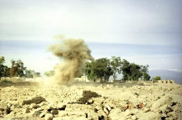 В Афганистане при крушении вертолета погибли три человека