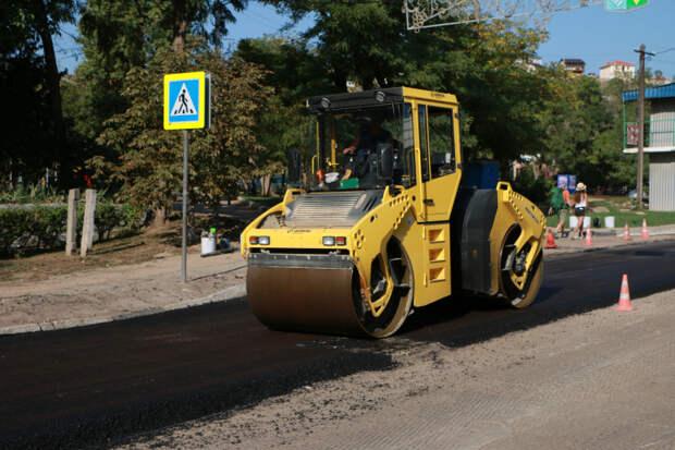 Москва дала 1,1 миллиарда рублей на капремонт дорог в Севастополе