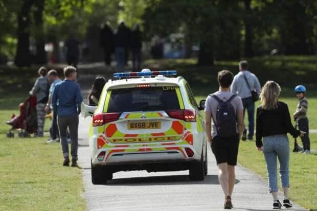В Англии и Уэльсе выписано семнадцать тысяч штрафов за нарушение режима самоизоляции