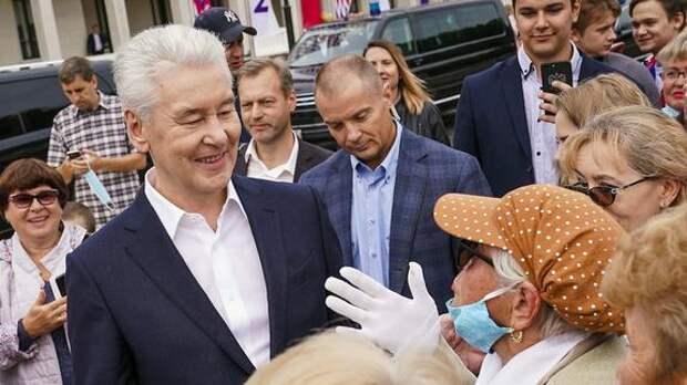Власти Москвы и бизнес запускают программу стимулирования вакцинации пожилых людей