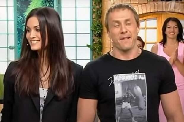 Алана Мамаева провела прямую трансляцию со своим первым мужем Александром Липовым