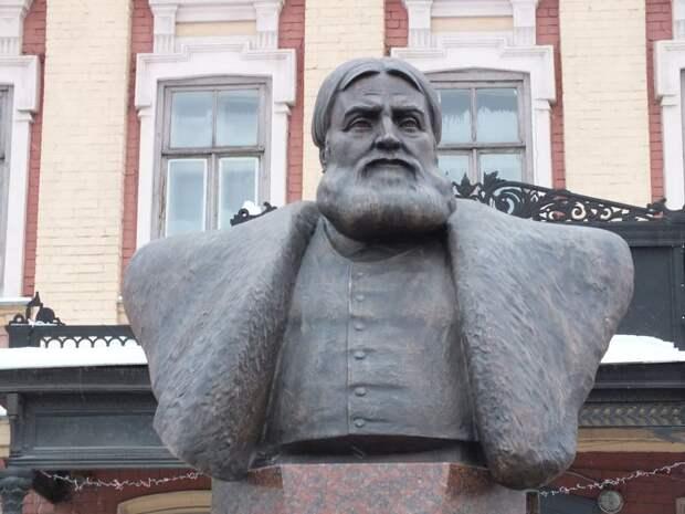 Заочный учитель Сталина, россиянин Дуров и глобальная борьба с офшорами