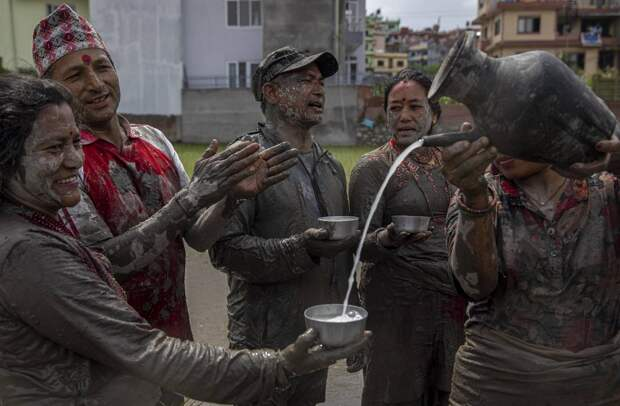 Национальный день рисовых полей в Непале