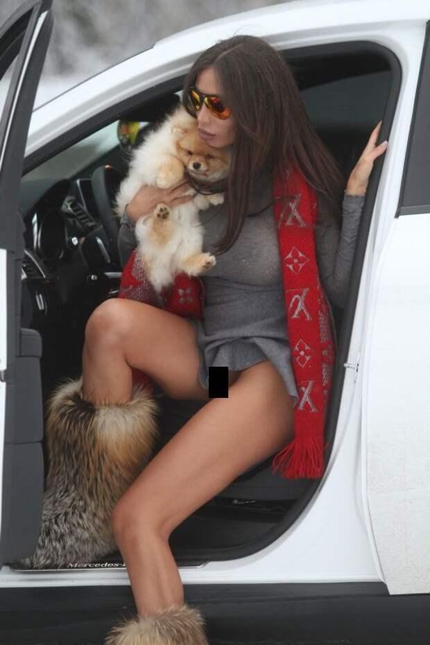 Девушка Неймара Сорая Вучелич любит ездить за рулем без белья
