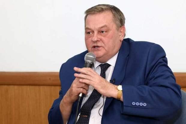 Спицын заявил, что очередной кульбит Шевченко в сторону КПРФ и Платошкина, это политическое флюгерство