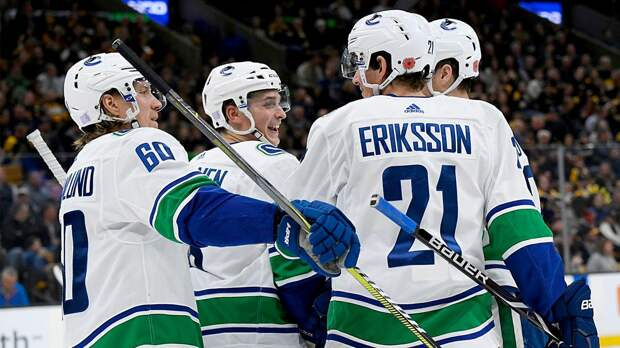 В COVID-протоколе НХЛ уже 14 игроков «Ванкувера». Команде запрещено проводить тренировки, матчи перенесены