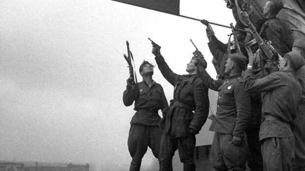 """Польша признала русскую правду о Великой Отечественной войне. Добавив """"ложку дёгтя"""""""