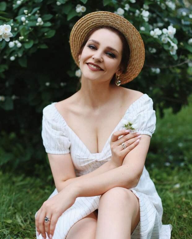 Теперь фрилансер! Глафира Тарханова сообщила об уходе из театра «Сатирикон»