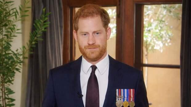 «Он решил отложить возвращение»: стало известно, почему принц Гарри задержится в Великобритании