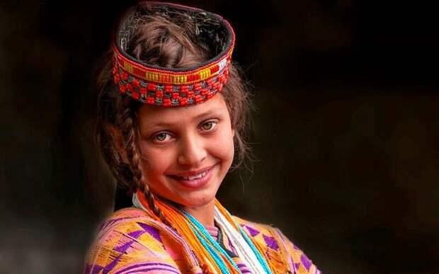 Явно европейские черты лица. Балто-славянский тип внешности.