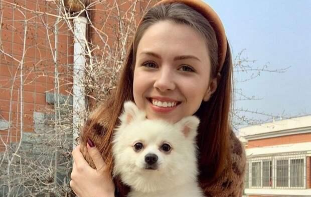 Зеленский забыл про девочку с собачкой