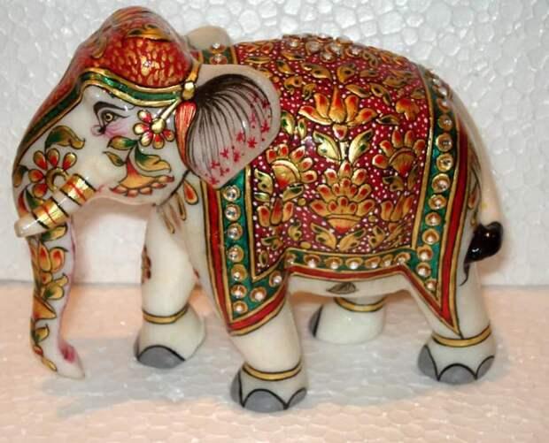 7 необычных сувениров, которые вы можете привезти из разных стран