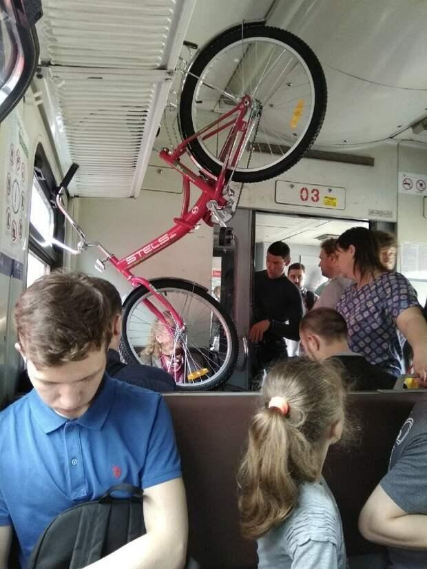 Городские электрички — это нечто! автобус, маршрутка, общественный транспорт, прикол, юмор